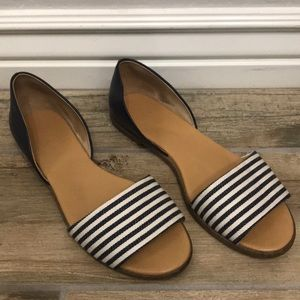 JCREW NAVY AND WHITE FLATS